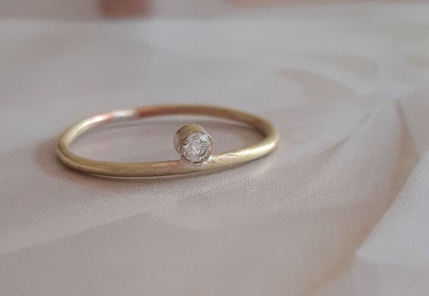 Как выпрямлять кольцо с бриллиантом?