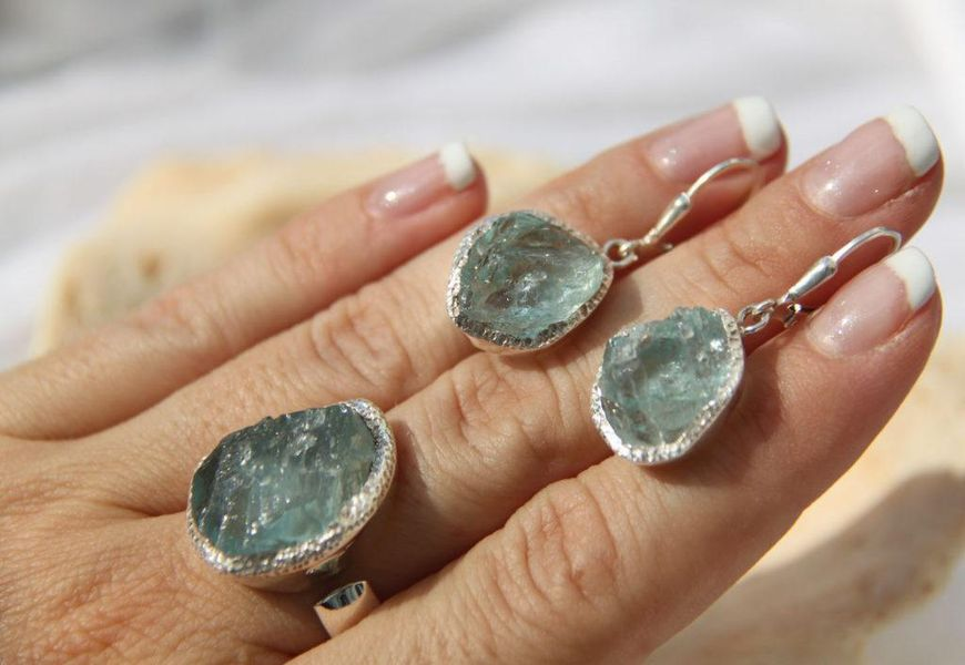 Чистка серебра с минеральными камнями