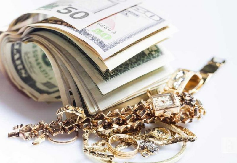 Золотые украшения из ломбарда